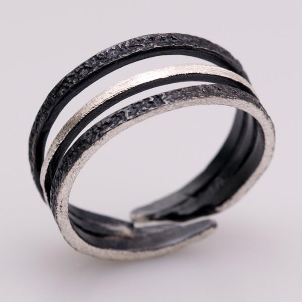 Δαχτυλίδι ασήμι 925° χειροποίητο οξειδωμένο σφυρήλατο BAT-D72B