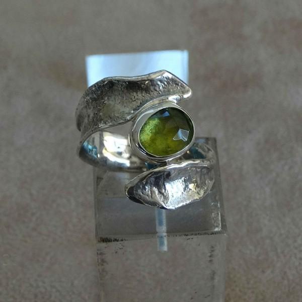 Δαχτυλίδι ασήμι 925 χειροποίητο πολύτιμη πέτρα περίδοτο
