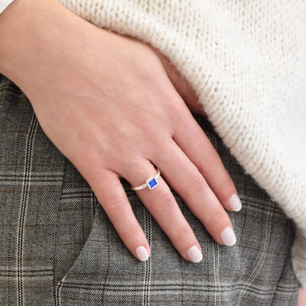 Χειροποίητο τετράγωνο μονόπετρο δαχτυλίδι ασήμι 950 με σμάλτο KON-43E