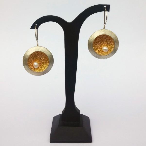 Σκουλαρίκια κρεμαστά ασήμι 925 χειροποίητα επιχρυσωμένα σφυρήλατα με πέρλα